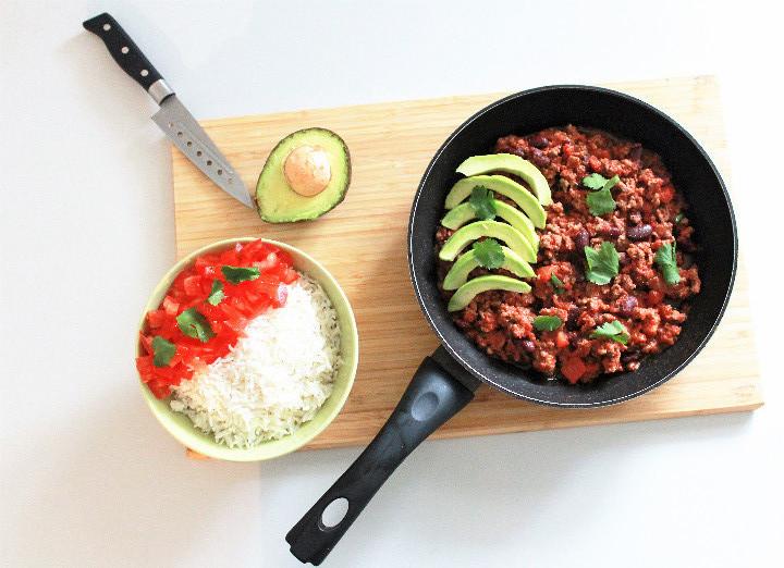 Chili con carne riz avocat