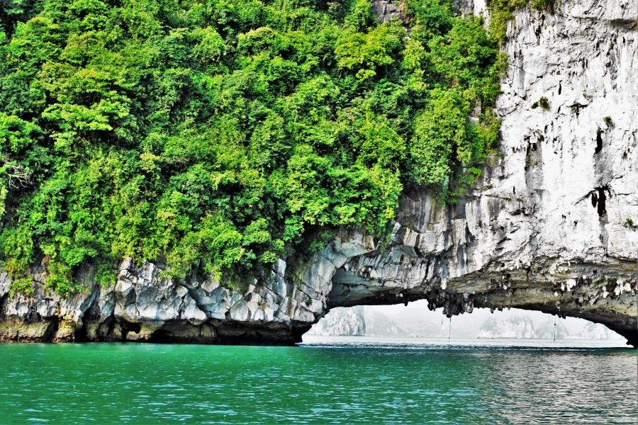 baie halong en barque